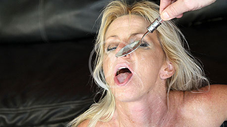 Crazy Jane Playing With Cum